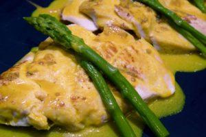 pechuga pollo asada curry esparragos