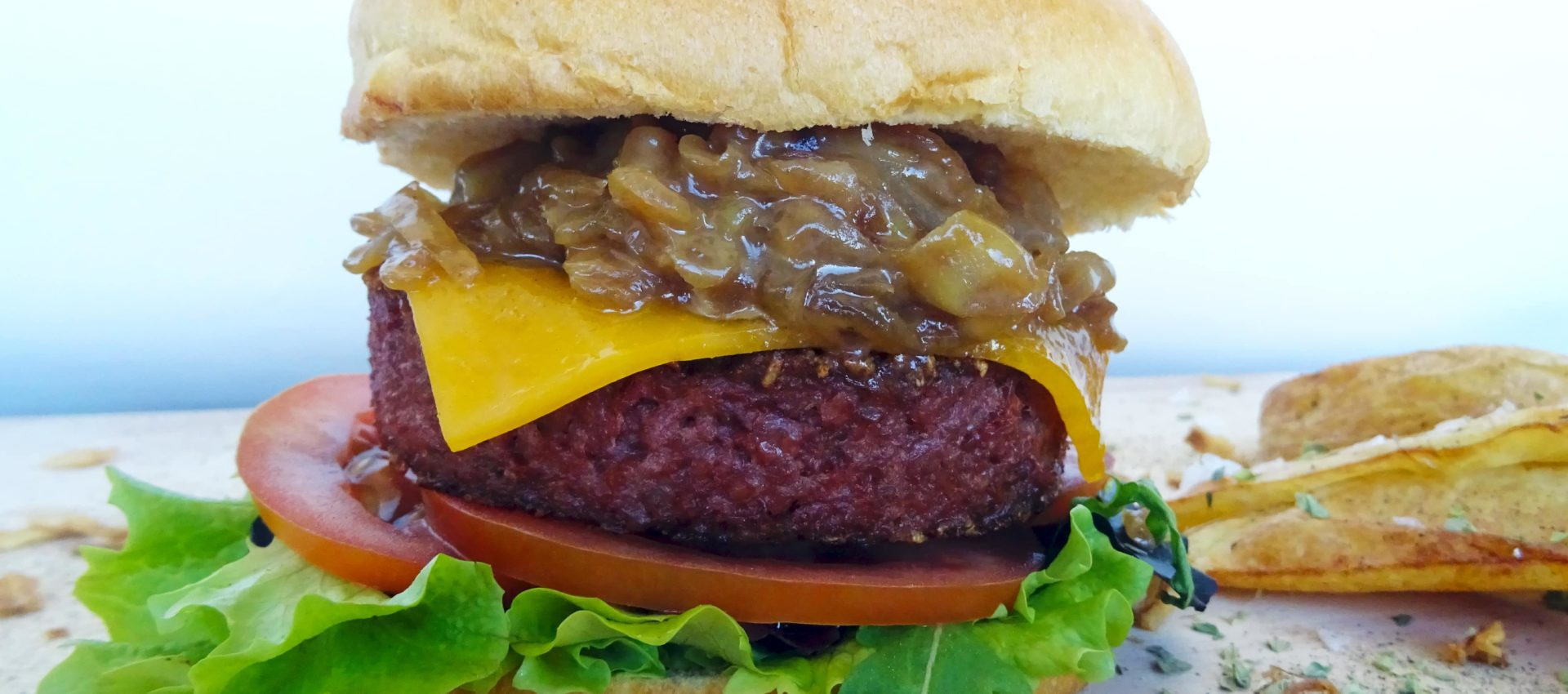Hamburguesa Beyond Burger con cebolla